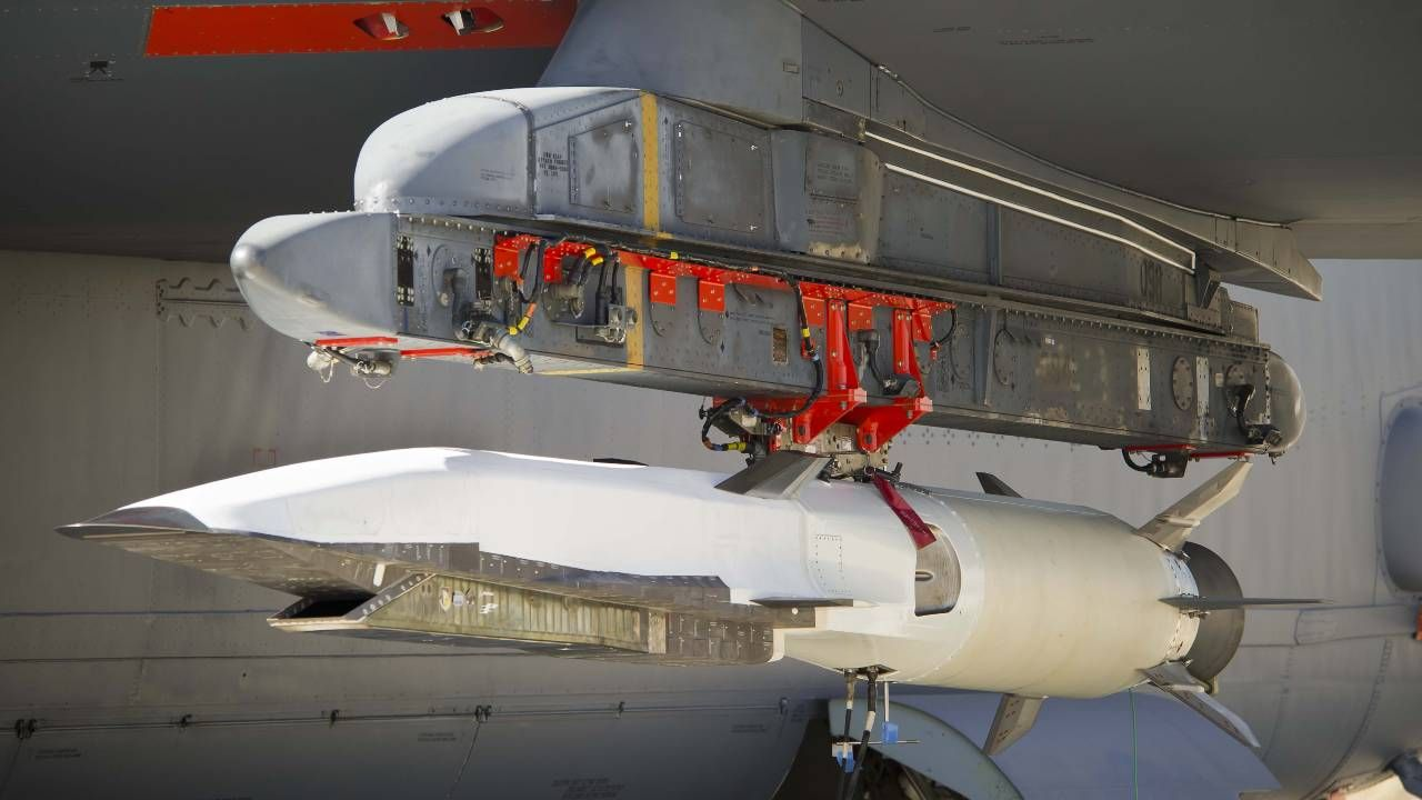 Broń hipersoniczna ma znaczną energię kinetyczną nawet bez materiałów wybuchowych (fot. US Army)