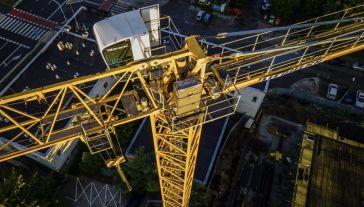 """""""Fundusz Odbudowy pomoże realizować inwestycje z bardzo wielu obszarów"""" (fot. Jaap Arriens/NurPhoto via Getty Images)"""