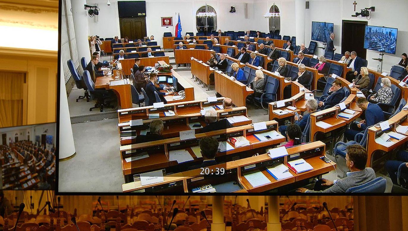 W Senacie odbędą się  głosowania nad wcześniej rozpatrzonymi punktami (fot. PAP/Mateusz Marek)