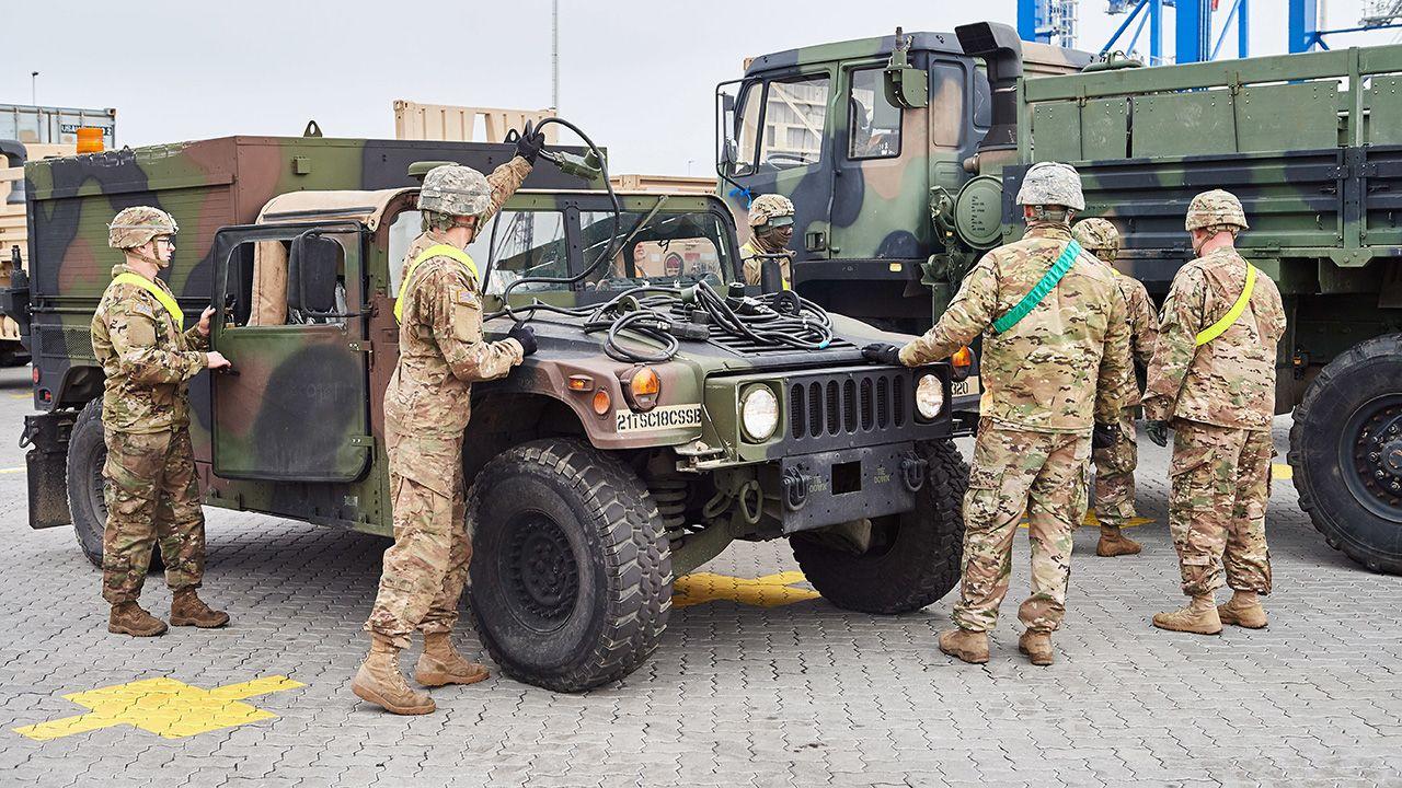 Wszyscy żołnierze byli po służbie (fot. arch. PAP/Adam Warżawa)