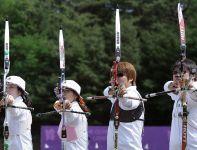 Reprezentanci Korei Południowej na IO w Londynie zostali zaprezentowani podczas treningu w Taereung (fot. Getty Images)