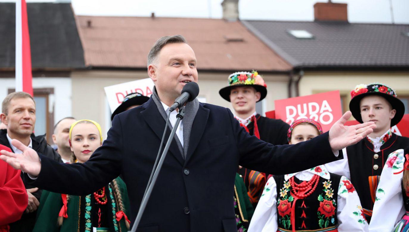 W czwartek w kampanijną trasę wyruszył prezydencki DudaBus (fot. arch.PAP/Leszek Szymański)