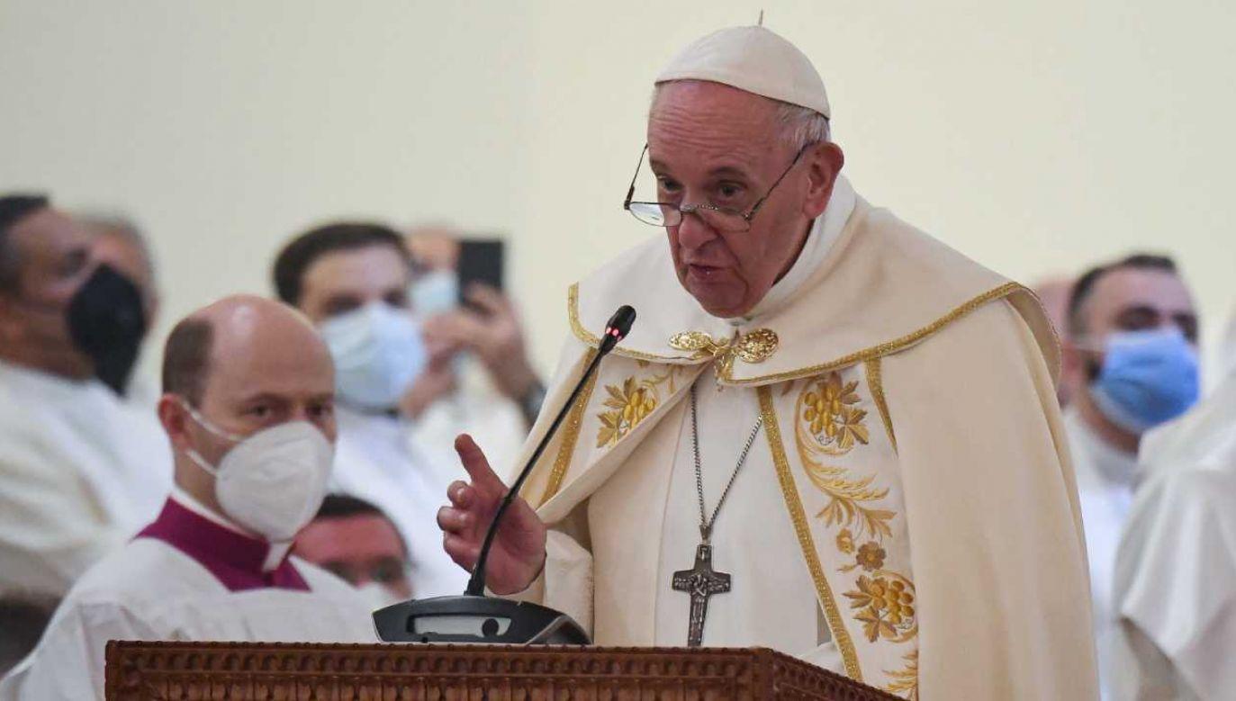 Na zakończenie dnia papież Franciszek  odprawi mszę w Irbilu (fot. PAP/EPA/ALESSANDRO DI MEO)