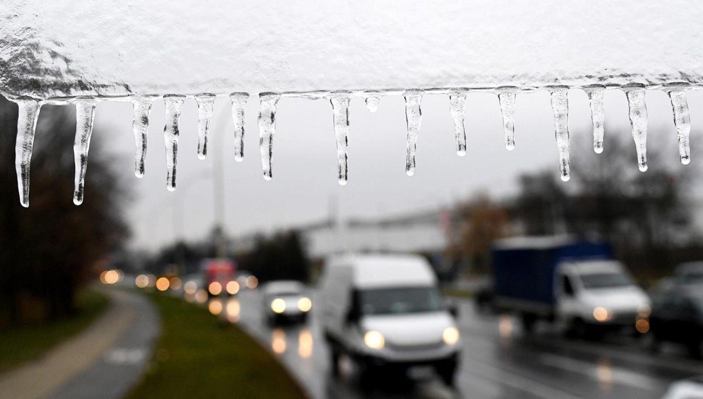 Termometry wskażą miejscami -3 stopnie (fot. PAP/Darek Delmanowicz)