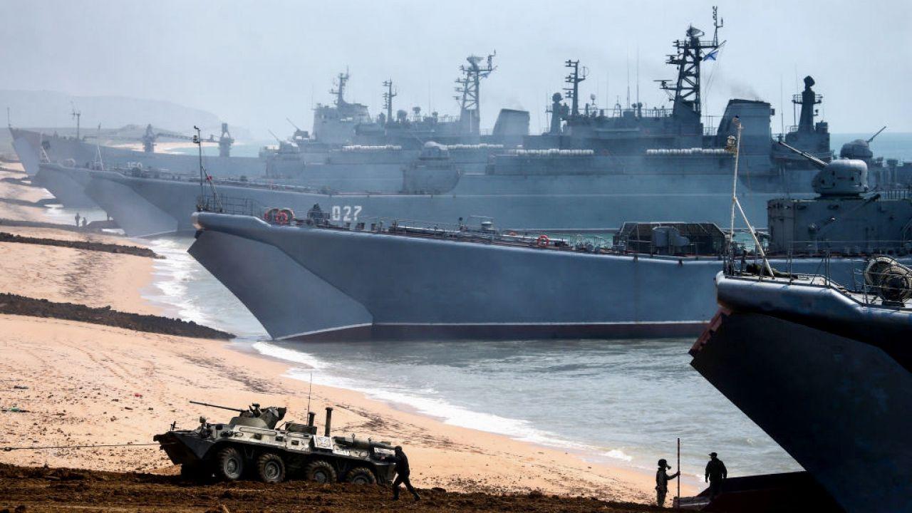 Rosja próbuje przeciwdziałać manewrom Sea Breeze 2021 (fot. Sergei Malgavko\TASS\Getty Images)
