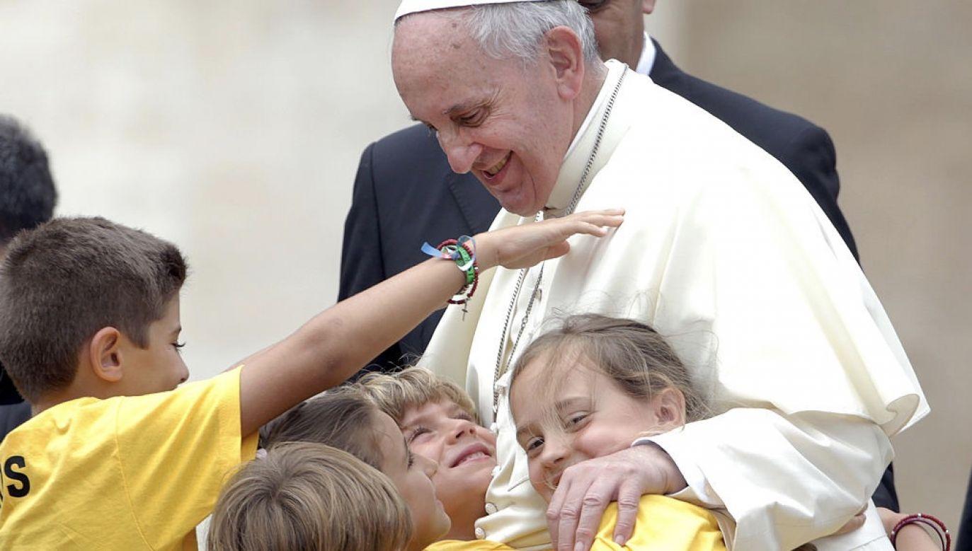 Papież podkreślił, że walka z głodem stała się jeszcze bardziej pilna z powodu przeżywanej obecnie pandemii (fot. Franco Origlia/Getty Images)