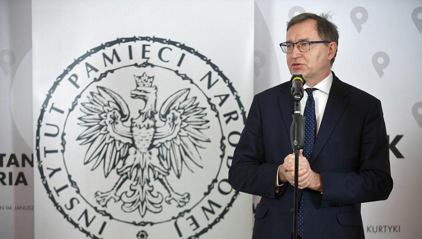 Prezes IPN Jarosław Szarek mówi o sprawie dr. Tomasza Greniucha (fot. PAP/Marcin Obara)