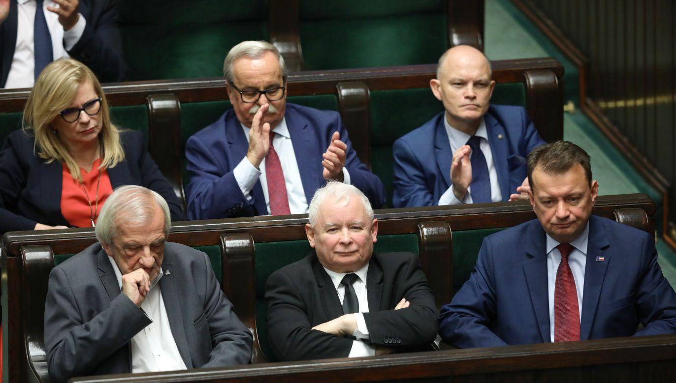 Głosowanie miało burzliwy przebieg (fot. PAP/Leszek Szymański)