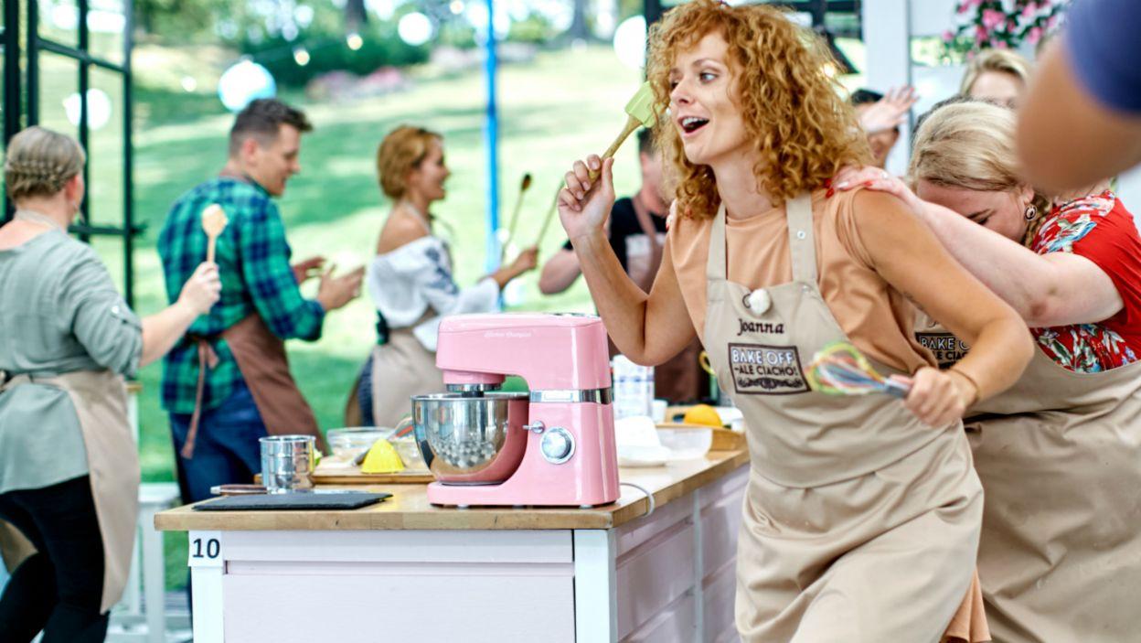 Zamiast kastanietów równie dobrze sprawdzają się trzepaczka do ciasta i szpatułka (fot.TVP)