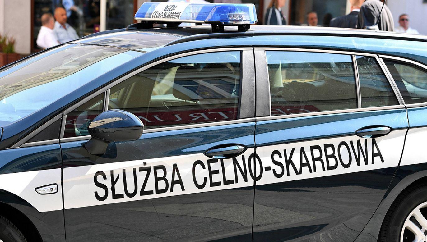 Ładunek został zabezpieczony i zatrzymany do dalszego postępowania (fot. arch.PAP/Darek Delmanowicz)