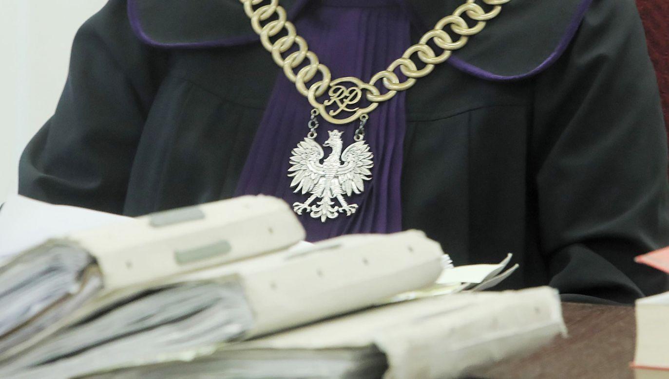 Chodzi o podejrzenie przywłaszczenia przez Zbigniewa S. 253 tys. zł (fot. PAP/Artur Reszko)