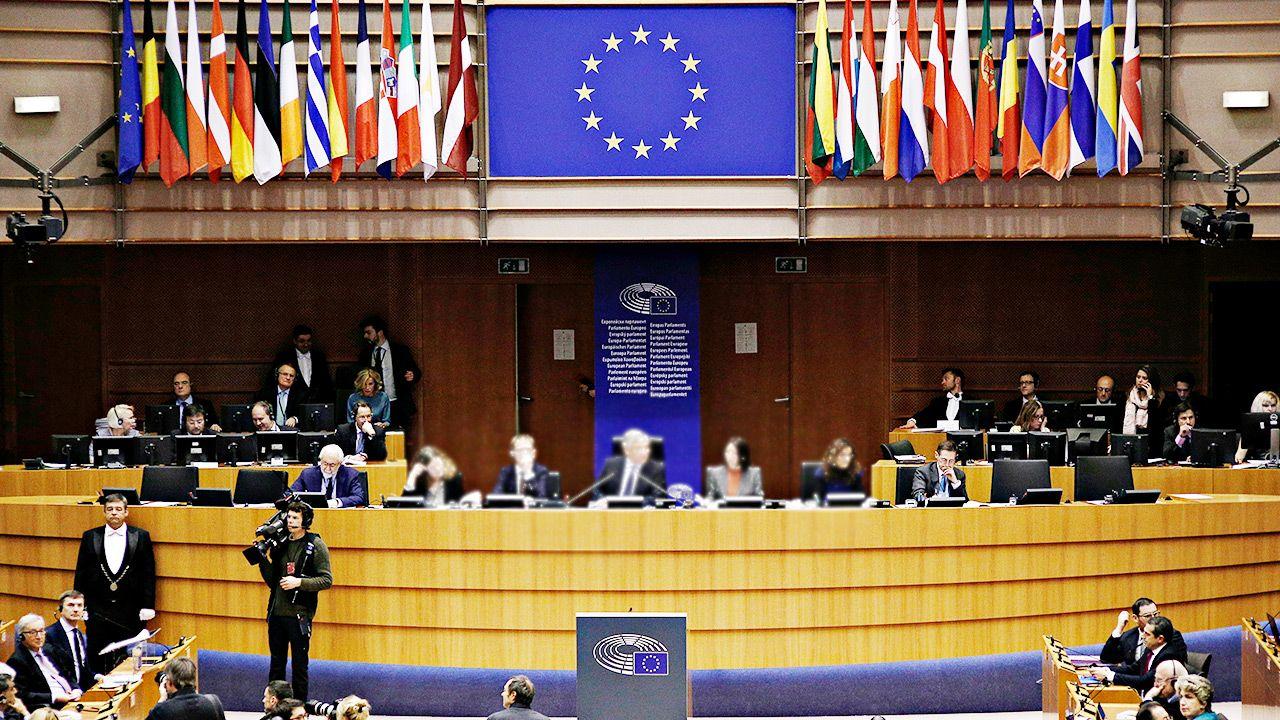 Chodzi m.in. o przygotowywanie poprawek przez FOD dla parlamentarzystów PO (fot. Shutterstock/Alexandros Michailidis)