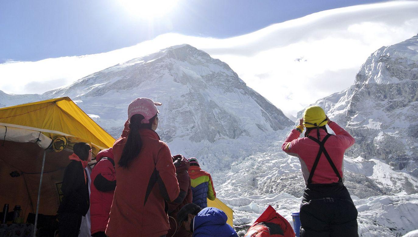 Lawina w Pakistanie osunęła się na włoskich i pakistańskich alpinistów (fot. NEPAL-EVEREST/ REUTERS/Phurba Tenjing Sherpa, zdjęcie ilustracyjne)