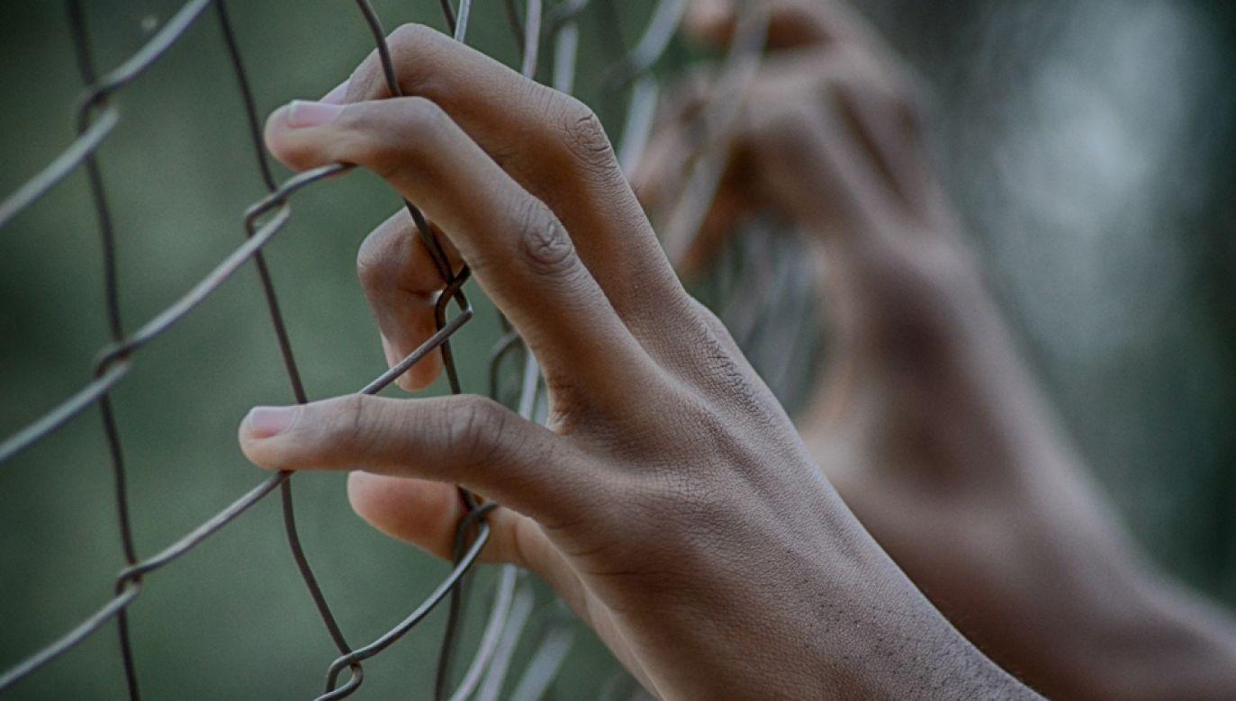 Czterech handlarzy ludźmi zostało  skazanych na kary dożywotniego więzienia (fot. pixabay)