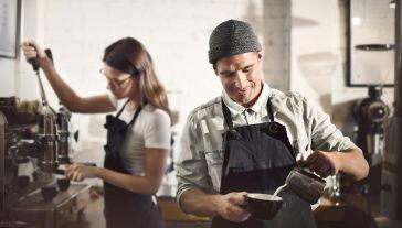 Członek zarządu 12 galerii handlowych uważa, że tarcza antykryzysowa pomaga (fot. Shutterstock/Rawpixel.com)