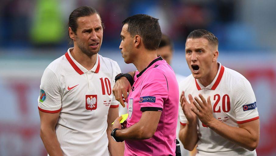 Grzegorz Krychowiak zobaczył w 62. minucie czerwoną kartkę (fot. PAP//EPA)