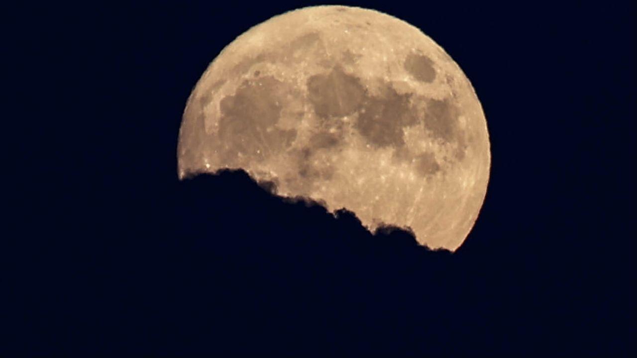 24 lipca mogliśmy podziwiać spektakularne zjawisko na niebie (fot. M.Aktas/Anadolu/Getty Images)