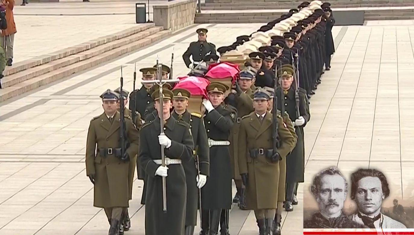 Pochowani zostaną m.in. Zygmunt Sierakowski oraz Wincenty Konstanty Kalinowski (fot. TVP Info)
