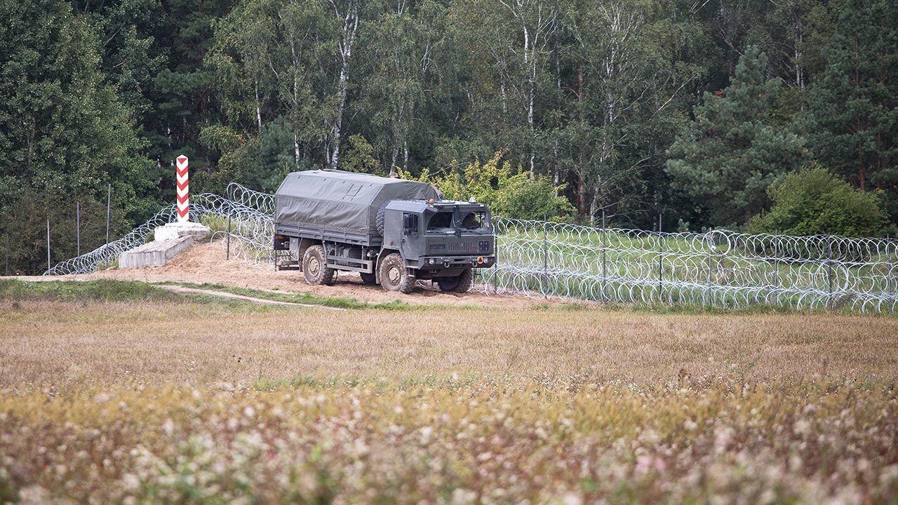 Próby nielegalnego przekroczenia granicy (fot. Maciej Luczniewski/NurPhoto via Getty Images)