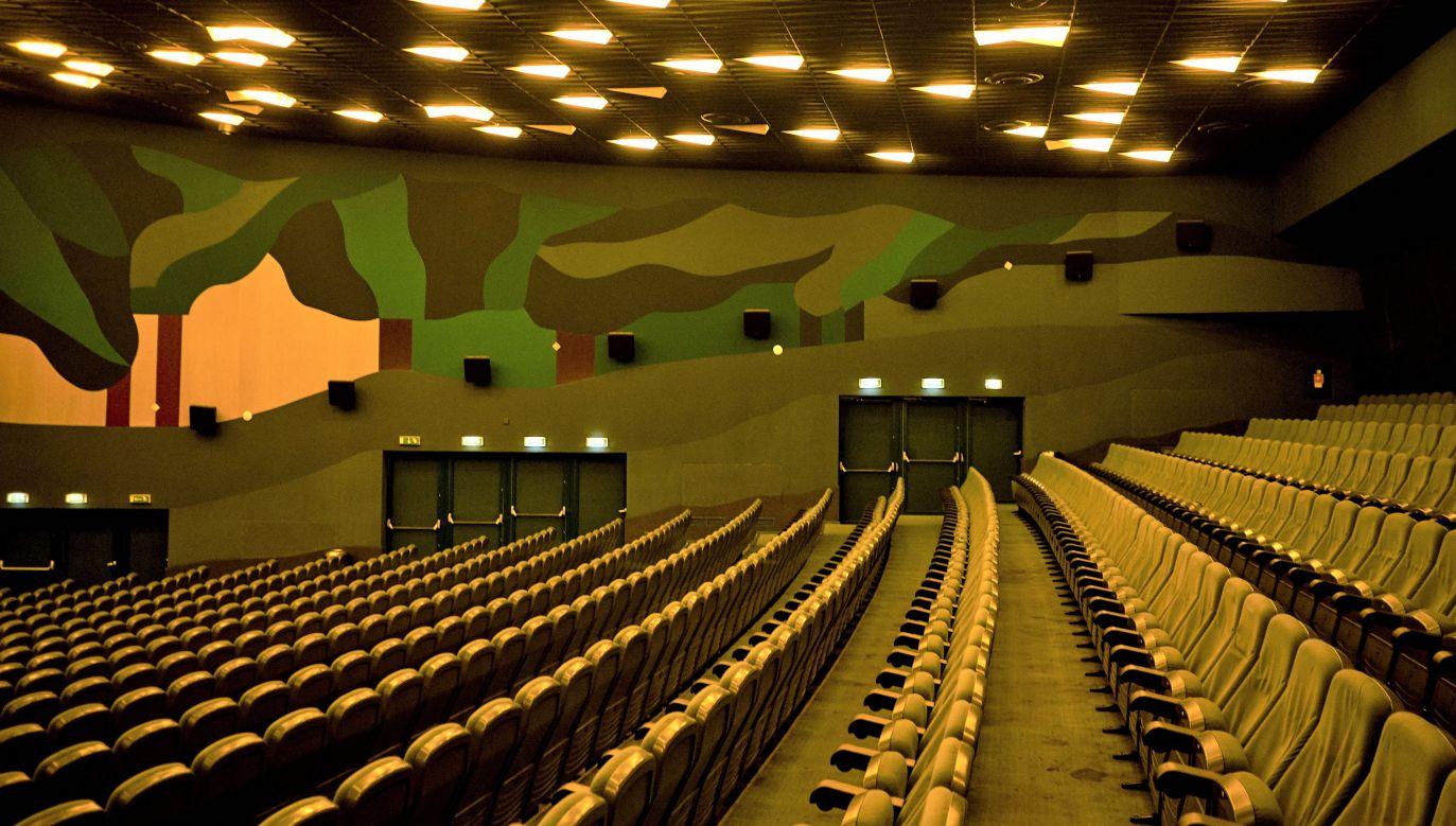 Z programu mogą skorzystać także osoby, które działają niezależnie, jeżeli chodzi o sektor kultury, np. teatry (fot. Getty Images/Bartek Sadowski/Bloomberg)