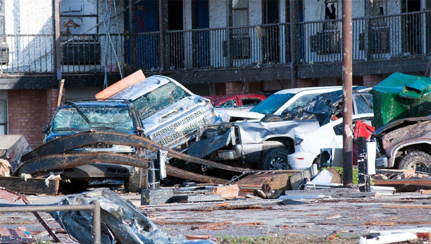 W tym roku tornada są wyjątkowo liczne i silne (fot. PAP/EPA/TORREY PURVEY)