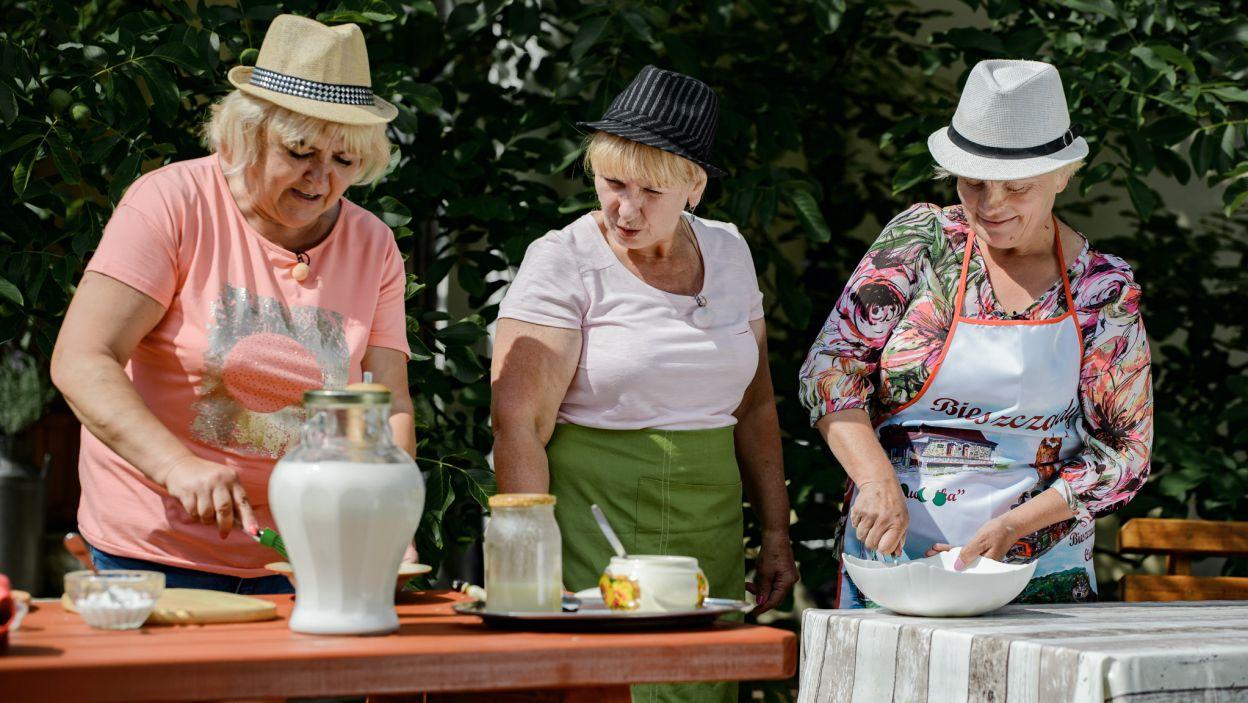 Panie miały zrobić rolnikowi ciasto. Nawet tak przyjemna czynność niosła ze sobą ryzyko zapłonu! (fot. TVP)