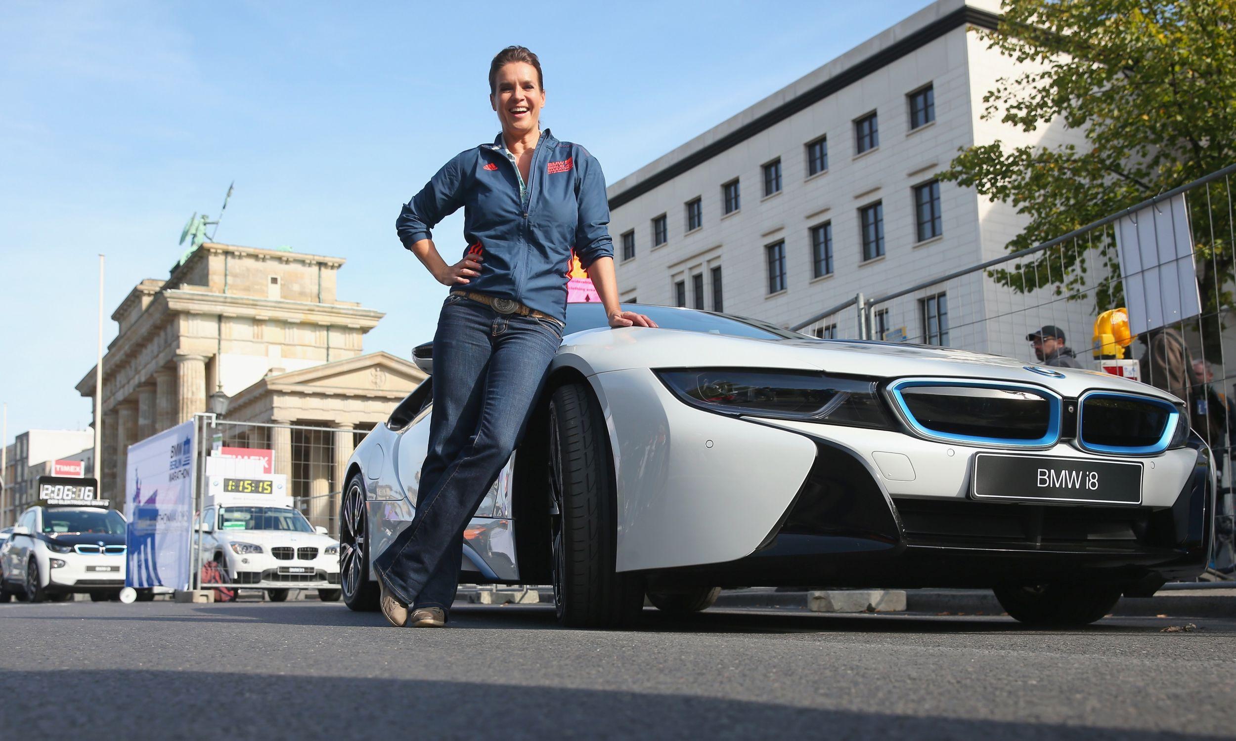 Najpiękniejsza twarz NRD, słynna łyżwiarka Katarina Witt świetnie odnalazła się w zjednoczonych Niemczech. W 2018 roku została ambasadorem BMW. Fot. Alexander Hassenstein/Getty Images for BMW