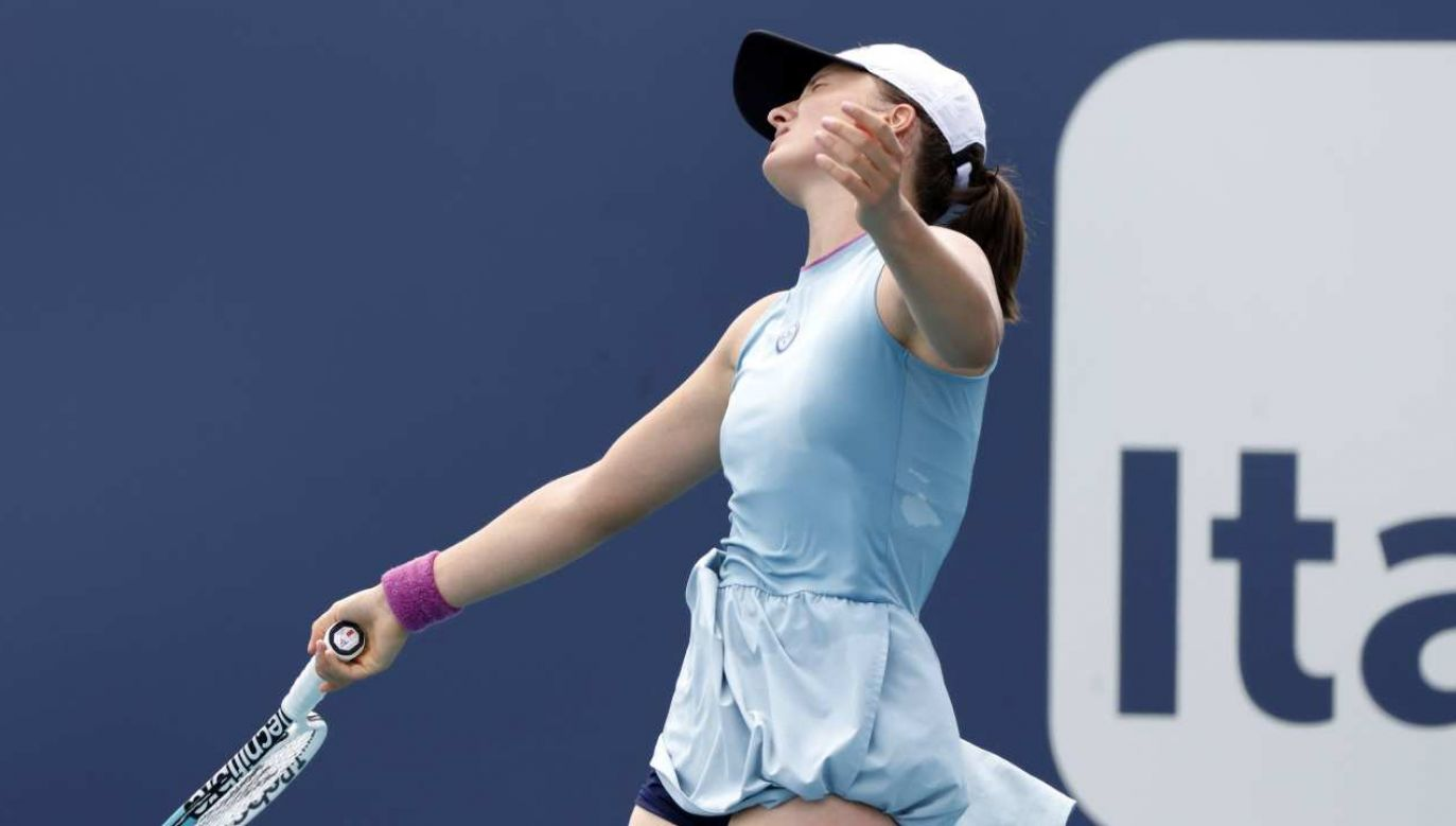 Iga Świątek wcześniej odpadła w trzeciej rundzie singla zmagań w Miami (fot. PAP/EPA/RHONA WISE)