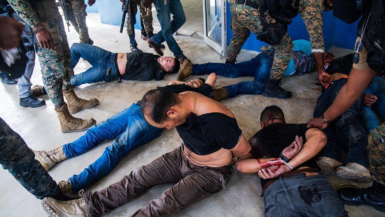 Do zabójstwa 53-letniego prezydenta Moise i postrzelenia jego żony doszło w nocy z wtorku na środę (fot. PAP/EPA/Jean Marc Herve Abelard)