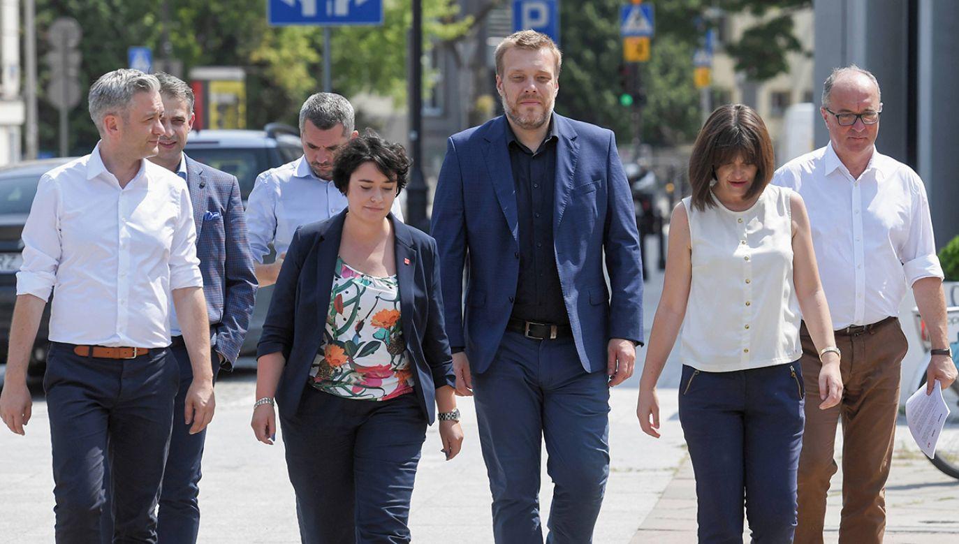 Warszawscy wyborcy zamiast głosować na Zandberga, odwrócą się od SLD – ostrzega stołeczny działacz (fot. arch. PAP/Piotr Nowak)