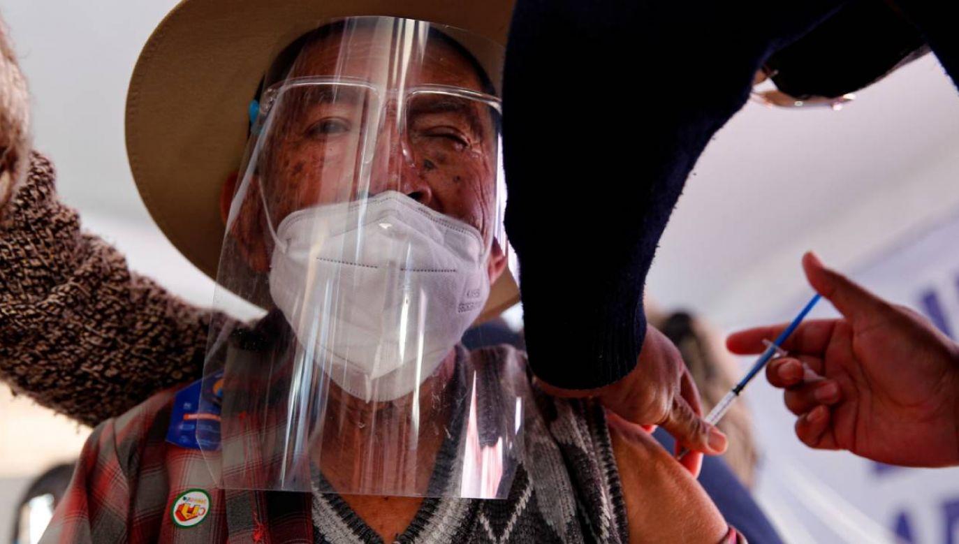 W Meksyku zmarło już ponad 209 tys. chorych na COVID–19 (fot. PAP/EPA/Carlos Ramírez)