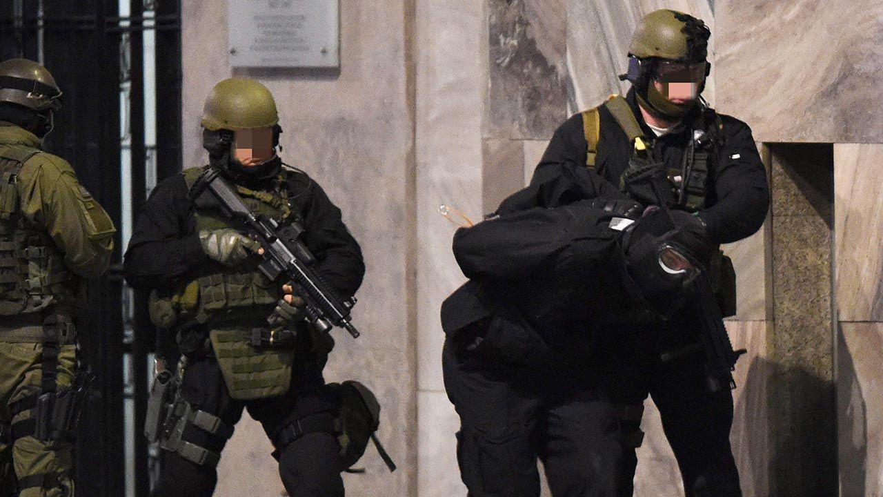 Służby identyfikują zagrożenia związane z bezpieczeństwem RP (fot. PAP/Radek Pietruszka)