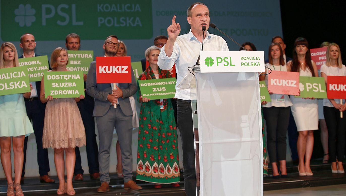 Paweł Kukiz pali kolejne mosty (fot. PAP/Piotr Augustyniak)