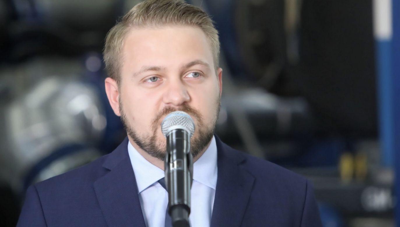 Jacek Ozdoba (Solidarna Polska)  (fot. PAP/Wojciech Olkuśnik)