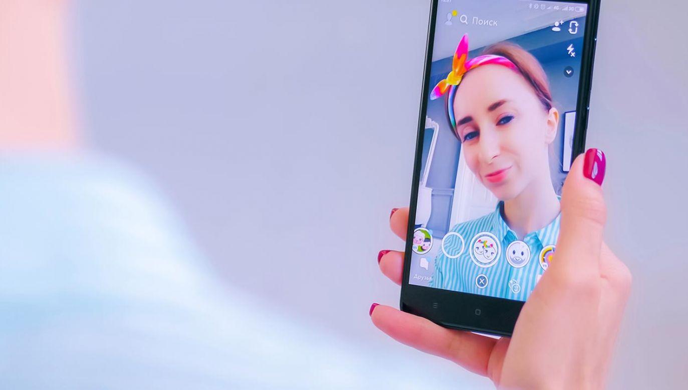 Najbardziej wrażliwym pokoleniem na filtry są nastolatki (fot. Shutterstock/ Zyabich)