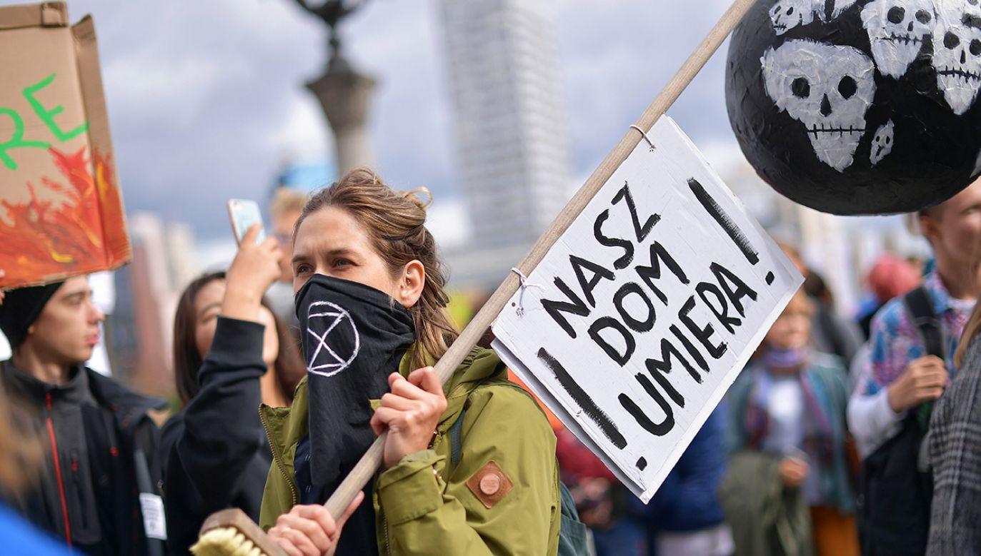 Europoseł Legutko mówi o ideologii środowiskowej (fot. arch. PAP/Marcin Obara)