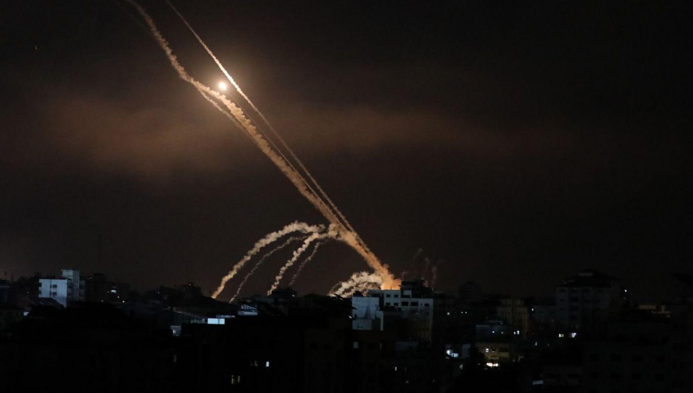 Rakiety wystrzeliwane w kierunku izraelskich miast (fot. Mustafa Hassona/Anadolu Agency via Getty Images)