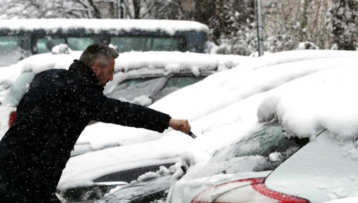 Zima nie da jeszcze o sobie zapomnieć (fot. PAP/EPA/FEHIM DEMIR)