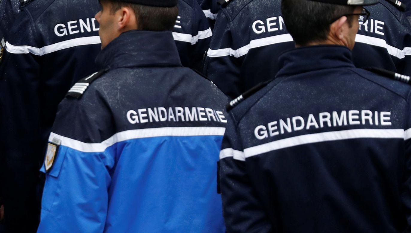 """Funkcjonariusze stwierdzili, że ich interwencja była """"opatrznościowa""""  (fot. REUTERS/Charles Platiau)"""