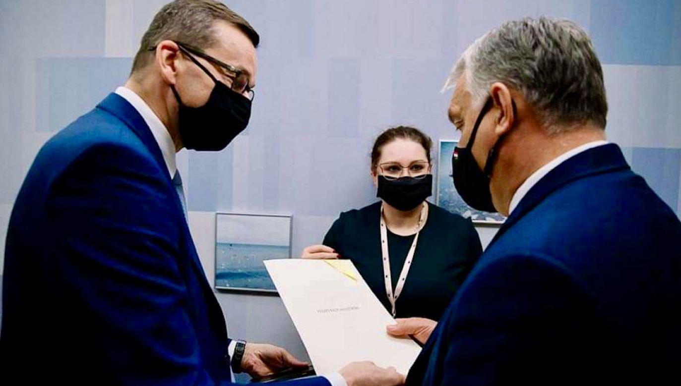 Premier odpowiada także na pytanie, w jaki sposób zbroja polskiego króla trafiła do Budapesztu (fot. K.Maj/KPRM)