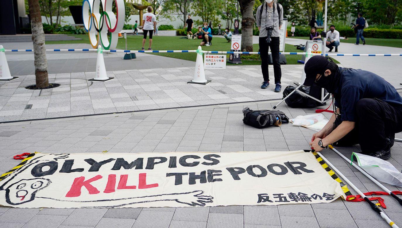 Przeciwnicy zebrali 350 tysięcy podpisów (fot. PAP/EPA/FRANCK ROBICHON)