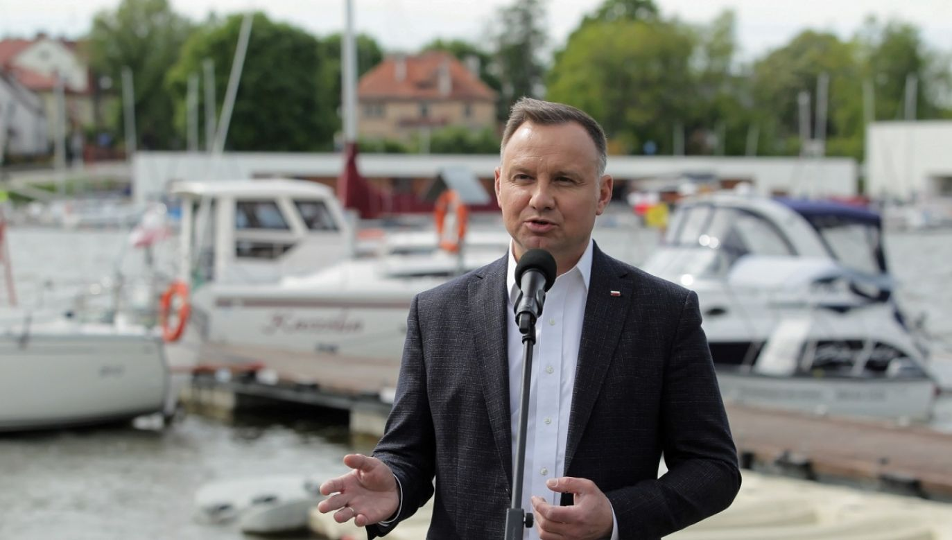 Prezydent, który odwiedził marinę Port 110, mówił, że miejsce to cieszy się – szczególnie latem dużą popularnością jako punkt turystyczny (fot.PAP/Tomasz Waszczuk)