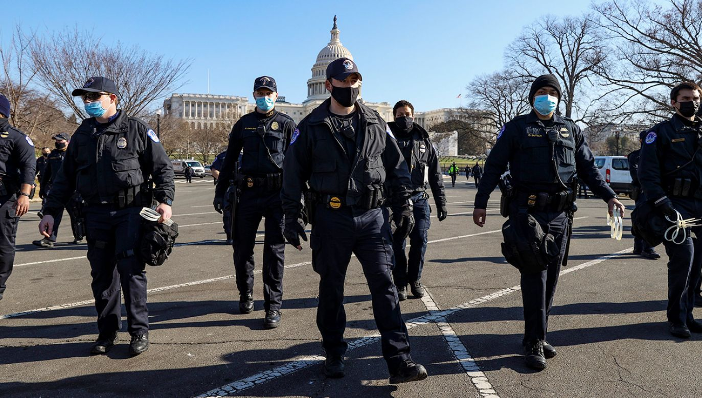 Nie żyje dwóch policjantów po zamieszkach na Kapitolu (fot. Tasos Katopodis/Getty Images)