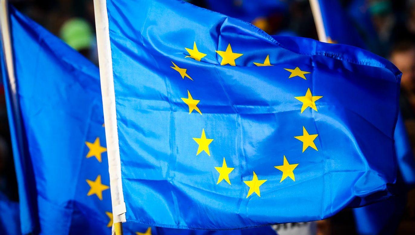 Szanse na to, że polskie i węgierskie władze wycofają się z konfliktów z UE są coraz mniejsze (fot.  Beata Zawrzel/NurPhoto via Getty Images)