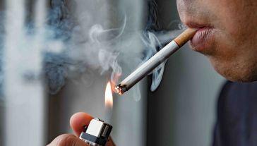 Paczka papierosów podrożeje średnio o złotówkę (fot. Shutterstock/Nopphon_1987)