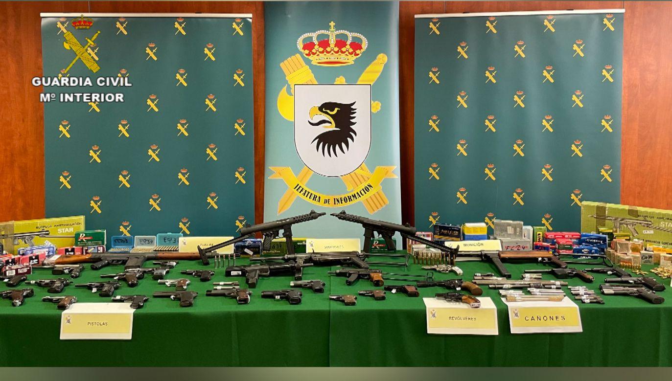 Większa część arsenału przejętego przez Guardia Civil (fot. Guardia Civil)