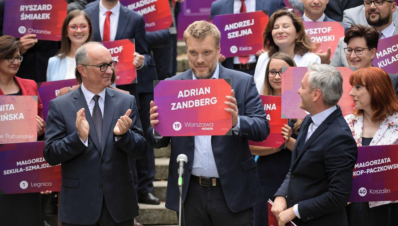 Założyciel i lider partii Wiosna Robert Biedroń, przewodniczący SLD Włodzimierz Czarzasty oraz lider partii Razem Andrian Zandberg (fot. PAP/Marcin Obara)