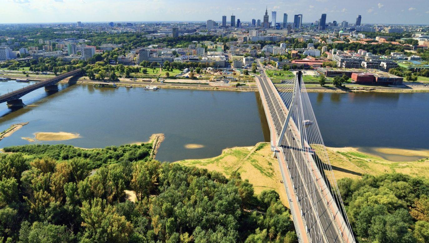 Kryzys odbija się na warszawskim budżecie miejskim (fot. Shutterstock/itsmejust)