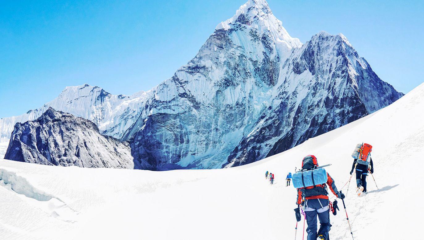 Wejścia na Mount Everest są limitowane (fot. Shutterstock)
