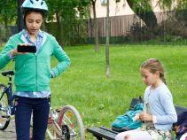 Tymczasem Oliwia w drodze do szkoły ulega niegroźnemu wypadkowi... (fot. A. Grochowska)